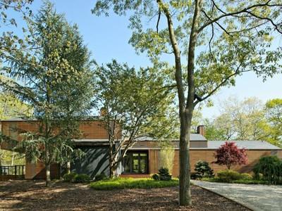 Casa para uma família for sales at Zen Retreat with Pool and Tennis  East Hampton, Nova York 11937 Estados Unidos