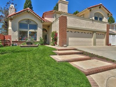 Maison unifamiliale for sales at Wonderful Pool Home 3033 Rikkard Drive Thousand Oaks, Californie 91362 États-Unis