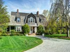 Casa para uma família for  sales at Compound Near Ocean Beach  East Hampton, Nova York 11937 Estados Unidos