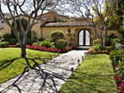 Maison unifamiliale for  rentals at 1920s Spanish Retreat 707 North Bedford Drive Beverly Hills, Californie 90210 États-Unis