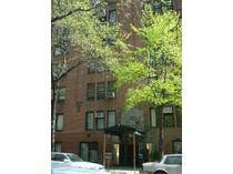 Кооперативная квартира for sales at Prewar on Park 111 East 88th Street Apt 7e   New York, Нью-Мексико 10128 Соединенные Штаты