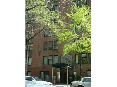 Condominio for sales at Prewar on Park 111 East 88th Street Apt 7e New York, Nueva York 10128 Estados Unidos