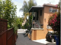 Moradia Multi-familiar for sales at 1012 Hyperion Avenue    Los Angeles, Califórnia 90029 Estados Unidos