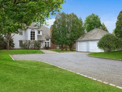 Maison unifamiliale for sales at Southampton Village - South of the Hwy   Southampton, New York 11968 États-Unis