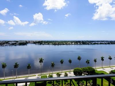 Copropriété for sales at Flagler Drive Water Views 1701 S Flagler Dr Apt 1708 West Palm Beach, Florida 33401 États-Unis