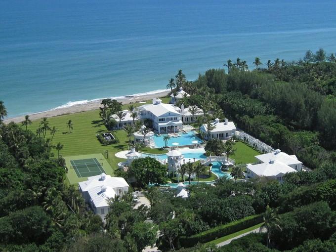 Einfamilienhaus for sales at Jupiter Island Oceanfront  Hobe Sound, Florida 33455 Vereinigte Staaten