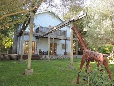 独户住宅 for sales at Vintage Cottage with Style 503 Cherry Ave Sonoma, 加利福尼亚州 95476 美国
