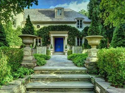 Casa Unifamiliar for sales at European Perfection    East Hampton, Nueva York 11937 Estados Unidos