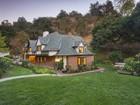 Villa for  sales at Fabulous English Estate 39 Woodlyn Lane   Bradbury, California 91008 Stati Uniti