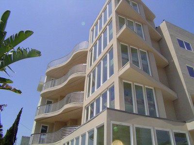 for sales at 8-Unit Luxury Investment Building  West Hollywood, Californie 90046 États-Unis