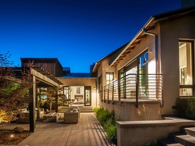 Nhà ở một gia đình for sales at Modern Sonoma Barn 232 2nd St E Sonoma, California 95476 Hoa Kỳ