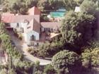 Casa para uma família for  rentals at Celebrity Estate For Lease 2243 East Live Oak Drive Los Angeles, Califórnia 90069 Estados Unidos