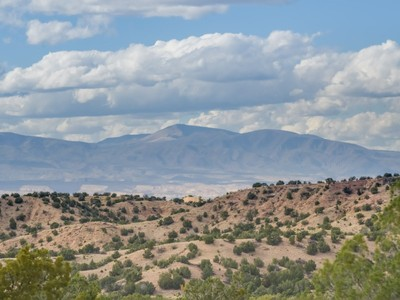 Land for sales at 82 Paseo de la Tierra, Tract A   Santa Fe, New Mexico 87506 United States