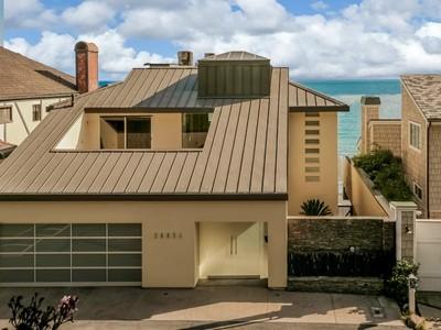 Maison unifamiliale for sales at Beyond Extraordinary Malibu Beach Home 26954 Malibu Cove Colony Malibu, Californie 90265 États-Unis