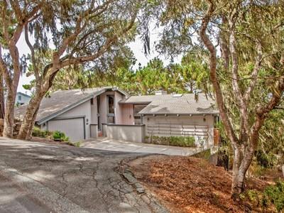 for sales at Pebble Beach 5 Bed Home 2984 Colton Road Pebble Beach, California 93953 Stati Uniti