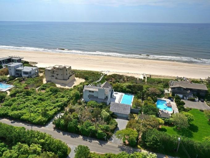 Villa for sales at Bridgehampton Oceanfront  Bridgehampton, New York 11932 Stati Uniti