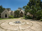 Maison unifamiliale for  sales at Understated Elegance Near Beach 1445 South Jameson Lane Montecito, Californie 93108 États-Unis