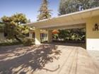 獨棟家庭住宅 for  sales at Charming Mid-Century Modern 1253 East Calaveras Street   Altadena, 加利福尼亞州 91001 美國