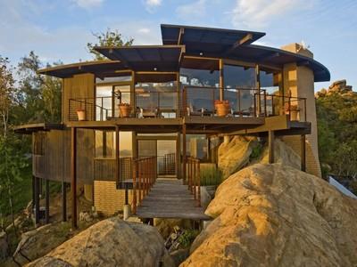 Частный односемейный дом for rentals at Architectural Post & Beam 300 Loma Metisse Road Malibu, Калифорния 90265 Соединенные Штаты