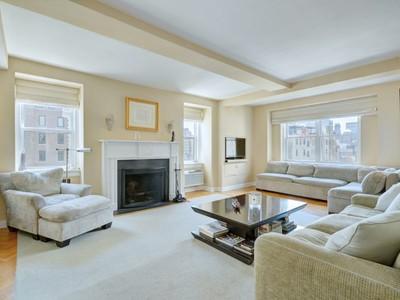 코압 for sales at 3 East 69 Street – High Floor, Open View 3 East 69th Street Apt 12a New York, 뉴욕 10021 미국