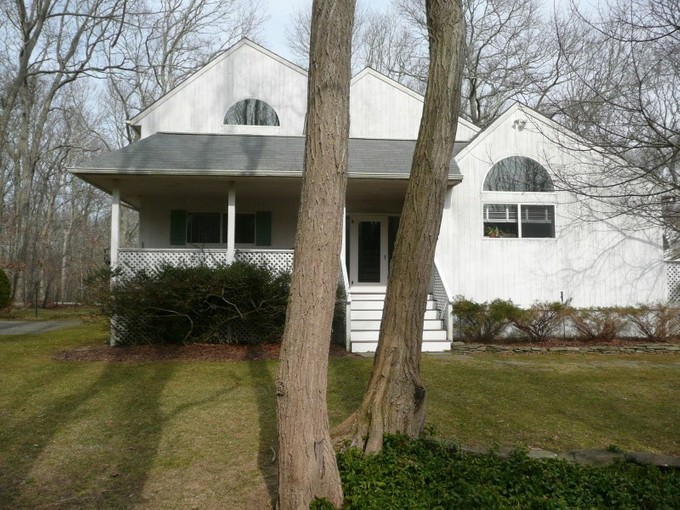 Single Family Home for rentals at Charming Traditional    Bridgehampton, New York 11932 United States
