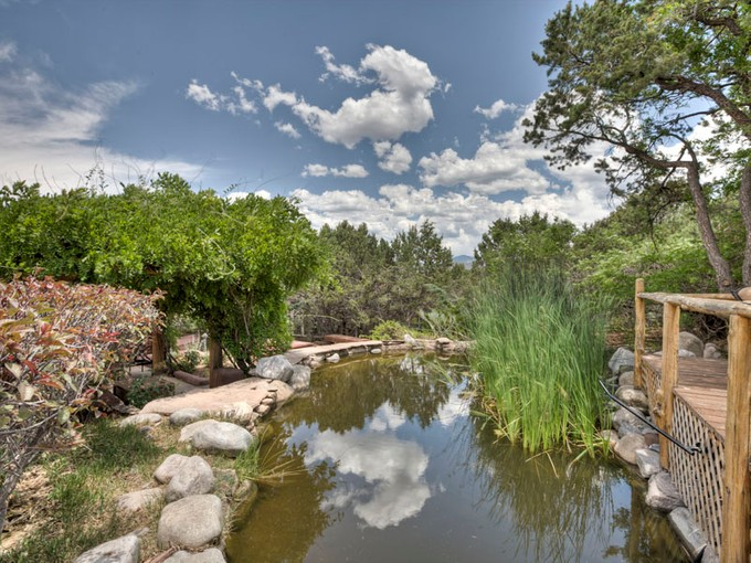 Einfamilienhaus for sales at 217 Camino Del Norte  Santa Fe, New Mexico 87501 Vereinigte Staaten