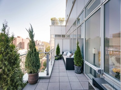 Appartement en copropriété for sales at Luxury Penthouse Oasis with Terrace 425 East 13th Street Apt Pha   New York, New York 10009 États-Unis