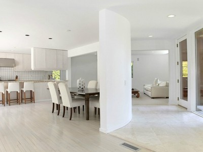 Maison unifamiliale for sales at Sleek Contemporary in Bayfront Community  East Hampton, New York 11937 États-Unis
