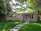 Vivienda unifamiliar for  sales at Beautifully Remodeled Santa Monica Home    Santa Monica, California 90405 Estados Unidos