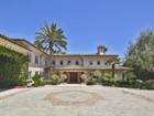 Single Family Home for  sales at European-style Villa 29208 Cliffside Drive   Malibu, California 90265 United States