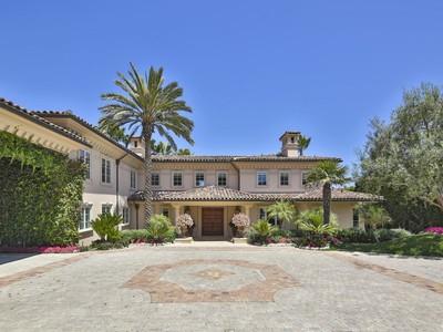 Maison unifamiliale for sales at European-style Villa 29208 Cliffside Drive  Malibu, Californie 90265 États-Unis