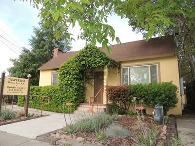 Apartamentos multi-familiares for sales at Rare Mixed Use 453 Second Street West Sonoma, Califórnia 95476 Estados Unidos