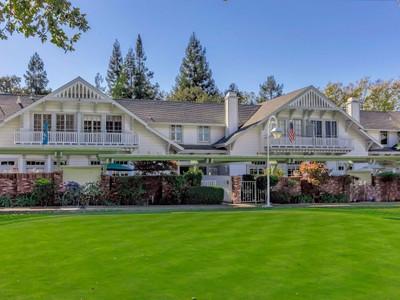 for sales at Charming Chalet in Diablo Country Club 1675 El Nido   Danville, Californie 94528 États-Unis