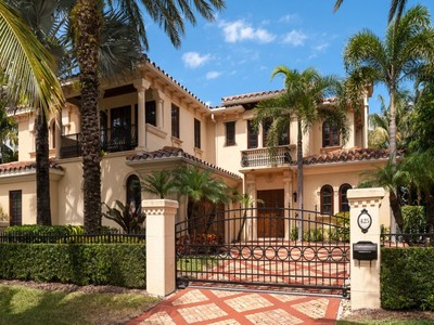 Townhouse for sales at Lake Block Mediterranean Townhome 425 Chilean Ave  Palm Beach, Florida 33480 United States