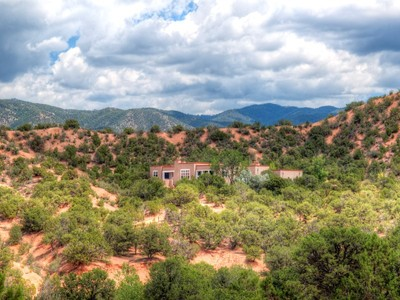Einfamilienhaus for sales at 22 Meredith Drive   Santa Fe, New Mexico 87506 Vereinigte Staaten