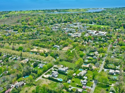 Terrain for sales at East Hampton Village  Vacant Land  East Hampton, New York 11937 États-Unis
