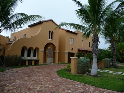 獨棟家庭住宅 for sales at Beautiful Spanish Style Home 320 Murray Rd West Palm Beach, 佛羅里達州 33405 美國