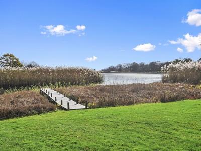 단독 가정 주택 for sales at Waterfront Living on Sagaponack Pond 471 Sagaponack Road   Sagaponack, 뉴욕 11962 미국