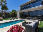 Single Family Home for  sales at Incredible Contemporary Home 32802 Pacific Coast Highway   Malibu, California 90265 United States