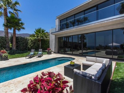Moradia for sales at Incredible Contemporary Home 32802 Pacific Coast Highway Malibu, Califórnia 90265 Estados Unidos