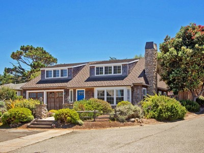 獨棟家庭住宅 for sales at Beach Tract Charmer 1233 Shell Avenue Pacific Grove, 加利福尼亞州 93950 美國