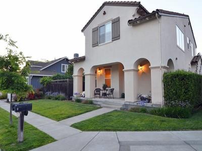 Casa para uma família for sales at Eastside Mediterranean Contemporary 929 Donner Avenue Sonoma, Califórnia 95476 Estados Unidos