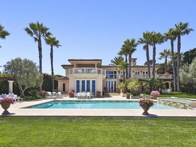 Casa Unifamiliar for sales at European-style Villa 29208 Cliffside Drive   Malibu, California 90265 Estados Unidos