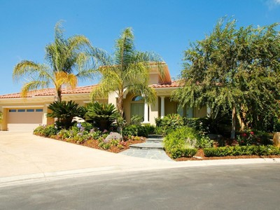 Villa for sales at Gated and Gorgeous Single Story 2847 Dewdrop Place Westlake Village, California 91362 Stati Uniti