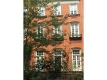Nhà ở một gia đình for sales at 2 Gramercy Park West: Tranquility 2 Gramercy Park West 1st Floor   New York, New York 10003 Hoa Kỳ
