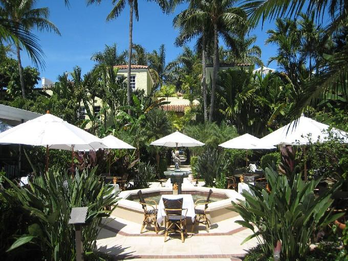 Condomínio for sales at Brazilian Court Hotel and Condominium  Palm Beach, Florida 33480 Estados Unidos