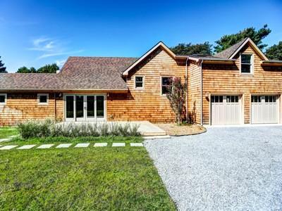 Casa para uma família for sales at Better Than New 95 Sebonac Rd Southampton, Nova York 11968 Estados Unidos