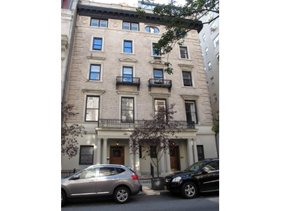 Coopérative for sales at 6 East 76th Street, Unit 4R   New York, New York 10021 États-Unis