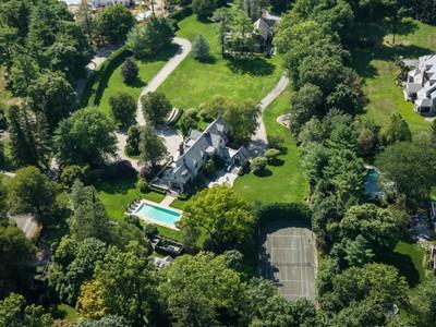 独户住宅 for sales at Exquisite Mid-Country Compound    Greenwich, 康涅狄格州 06830 美国