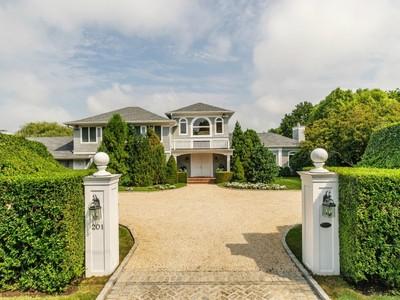 Maison unifamiliale for sales at High Hedges - Southampton Village 201 Wickapogue Road Southampton, New York 11968 États-Unis